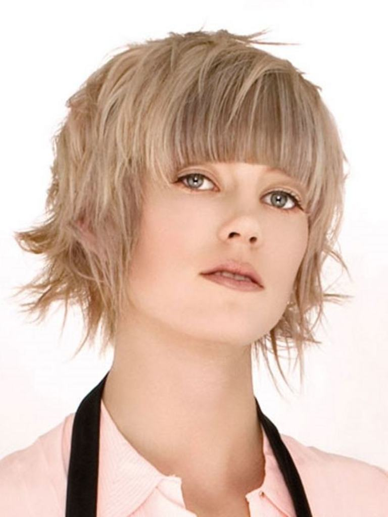 short-hairstyles-for-round-faces-20141 25+ Short Hair Trends for Round Faces Chosen for 2019