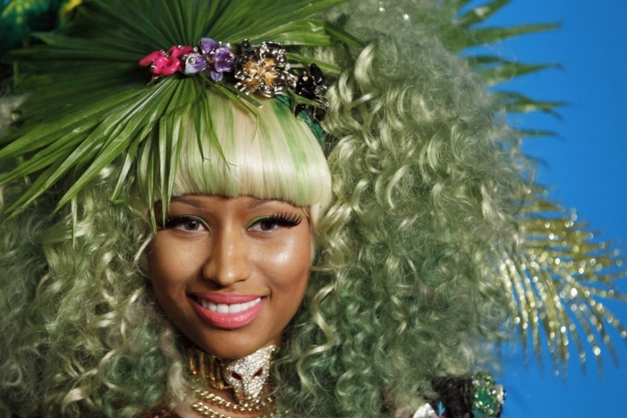 singer-minaj-arrives-party-celebrate-upcoming-launch-versace-hm-collection-new-york 20 Weird and Funny Celebrity Hairstyles