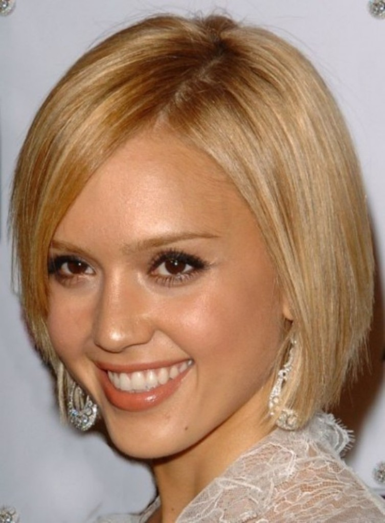 stunning-best-short-hairstyles-for-round-faces 25+ Short Hair Trends for Round Faces Chosen for 2020