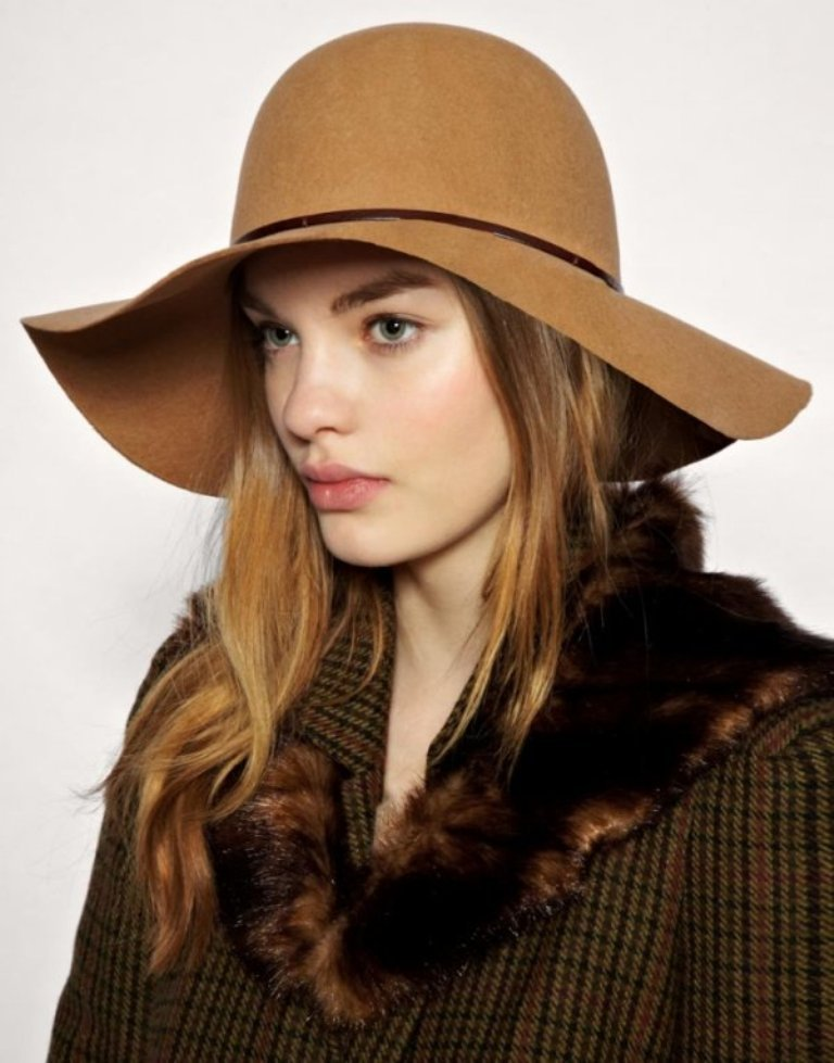 summer-hat-for-girls-1 10 Hottest Women's Hat Trends for Summer