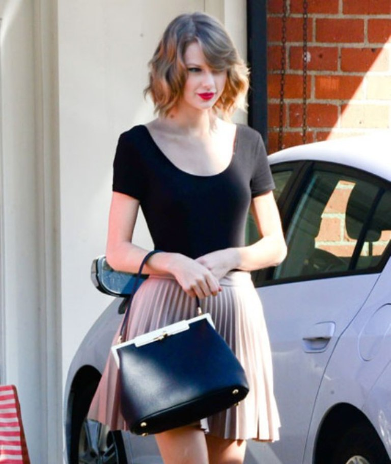 taylor-ballerina-1 Top 10 Celebrity Casual Fashion Trends for 2019