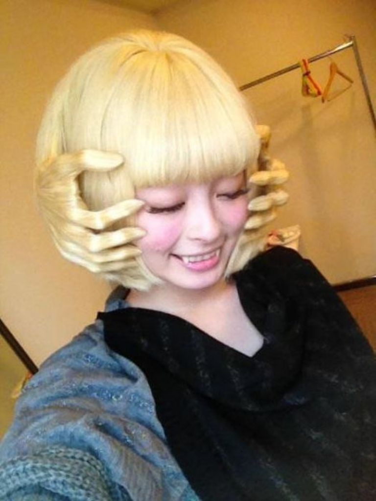 unusual-hairstyles-haircuts-blonde-girl-funny-style 25 Funny and Crazy Hairstyles to Change Yours