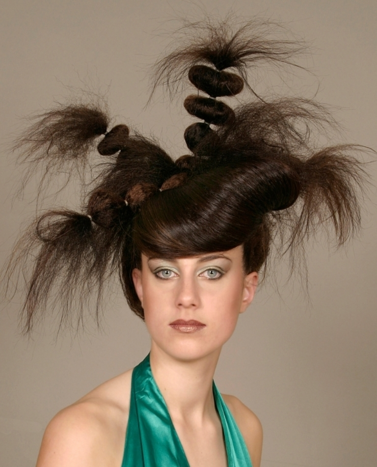 weird-haircuts_4a5d2837ef5151 25 Funny and Crazy Hairstyles to Change Yours