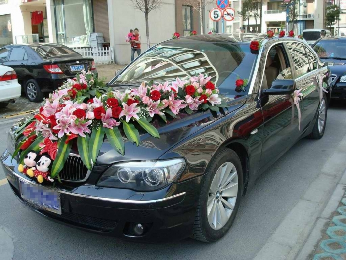 1-20110921075607 How to Choose the Right Wedding Car