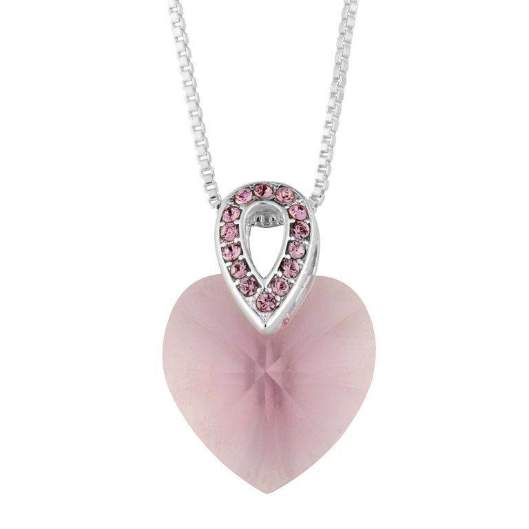1391522861-15215800 Why Do Women Love Heart Jewelry?