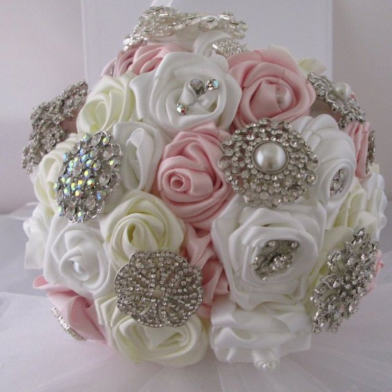 15099858broochbouquet6 How to Design Your Brooch Bouquet