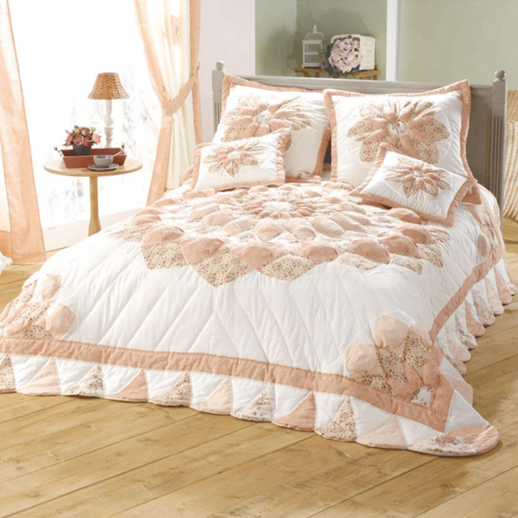 175849 How to Choose the Perfect Bridal Bedspreads