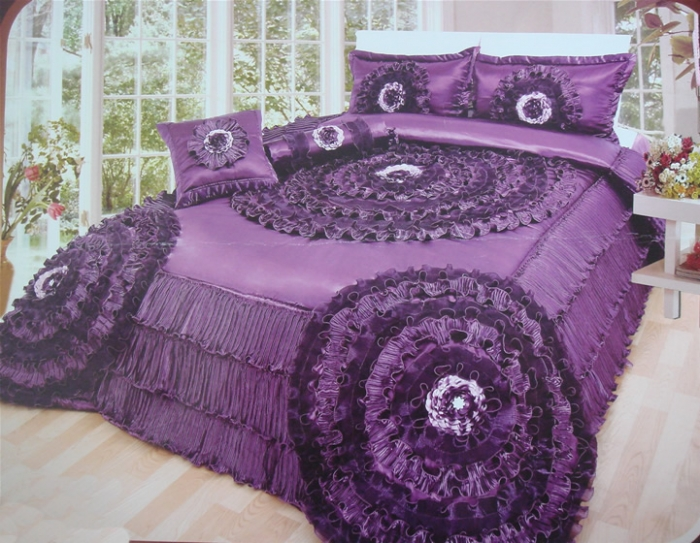 2-wedding-bedding-sets How to Choose the Perfect Bridal Bedspreads