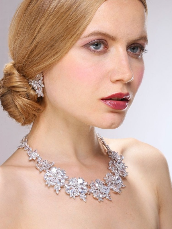 3596s-3 25 Unique Necklaces For The Bridal Jewelry