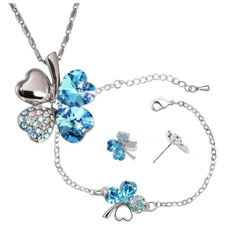 40265371 Why Do Women Love Heart Jewelry?
