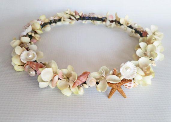5f0390da04eb211ae3183bb583e556eb 7 Tips On Choosing Beach Wedding Accessories
