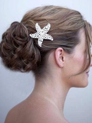 AA-BH123-mspp_large_rhinestone_starfish_hair_comb 7 Tips On Choosing Beach Wedding Accessories