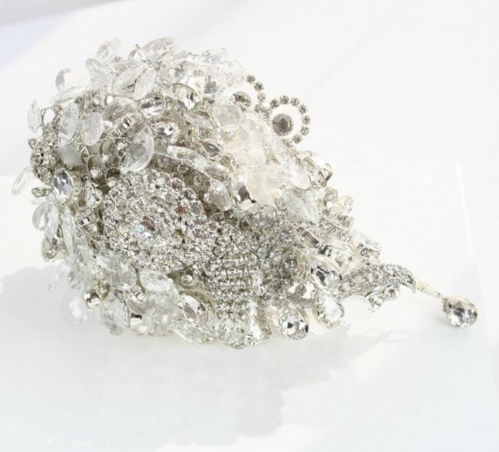 Ava_Teardrop_Crystal_Brooch_Bouquet_£395_www.crystalbridalaccessories.co_.uk-Copy 25 Fabulous Bridal Brooch jewelry Bouquets