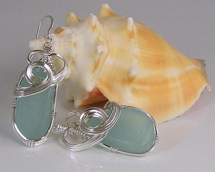 Beautiful-Aqua-Earrings_full 25 Pieces of Elegant & Fashionable Glass Jewelry