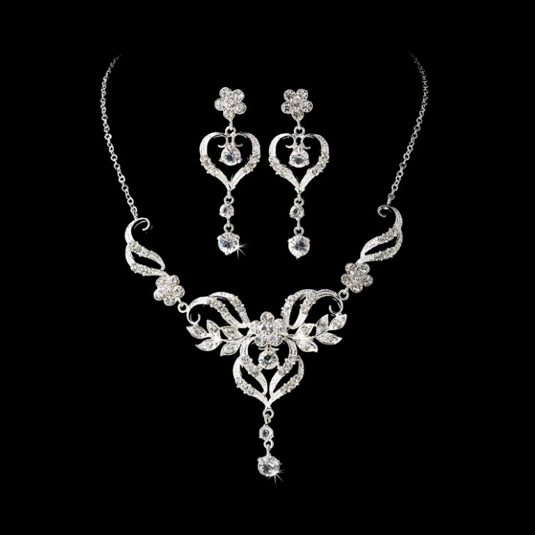 Beautiful-Silver-Crystal-Bridal-Jewelry-Set-NE-83221 How to Buy Jewelry for Your Wife