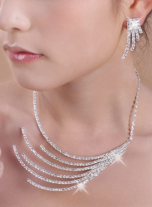BeautifulJewelryBirthdayPartySilverTwo-PieceJewelrySetsRhinestoneClearDesignsLS45315-0 25 Unique Necklaces For The Bridal Jewelry