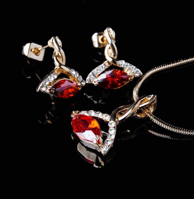 Fashion-CZ-Jewelry-Sets-F01070030-1352790342-01 How to Buy Jewelry for Your Wife