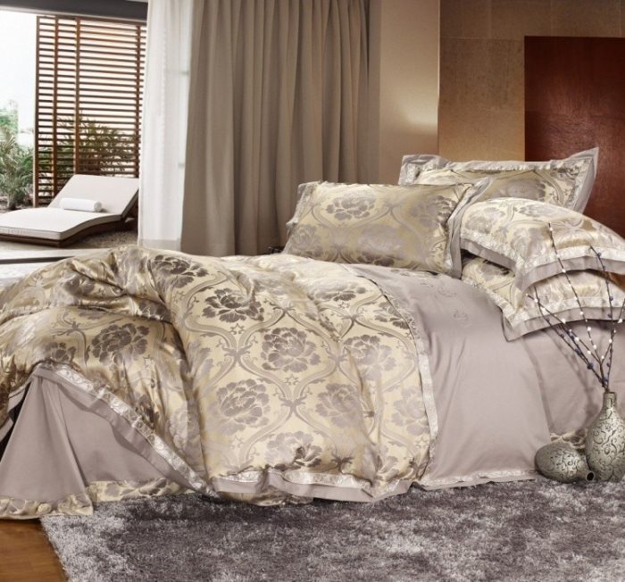 Free-shipping-Jacquard-wedding-silk-bedding-set-king-size-Noble-comforter-duvet-cover-bed-sheet-set How to Choose the Perfect Bridal Bedspreads
