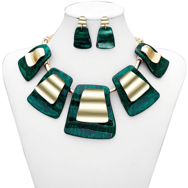 Geometric-_Acrylic-_Jewelry-_Set-_Gold-10__94200_zoom1 How to Buy Jewelry for Your Wife