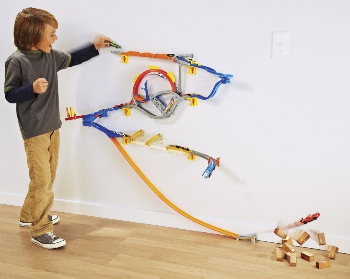 Hot-Wheels-W2815-Mattel-Wall-Tracks-All-In-One-Track_57 2014 Hot Wheels Cars Commercial