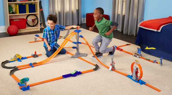 Hot-Wheels-Workshop-Track-Builder-Starter-Set 2014 Hot Wheels Cars Commercial