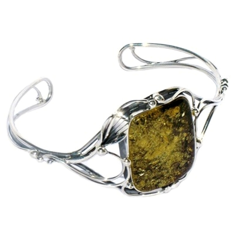 IMG_2224a All What You Need to Know about Green Amber Jewelry
