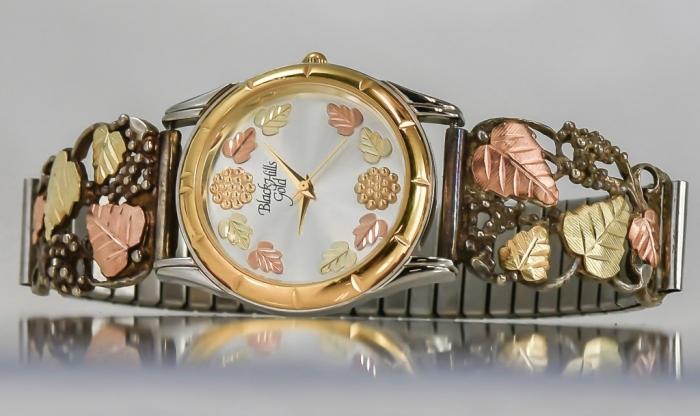SIC2394-1024x610 25 Black Hills Gold Jewelry in Creative Designs