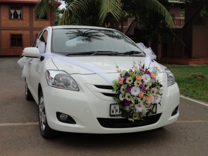 Wedding-Hire-Car-071836691352a2c72b4b46c594e0d6 How to Choose the Right Wedding Car