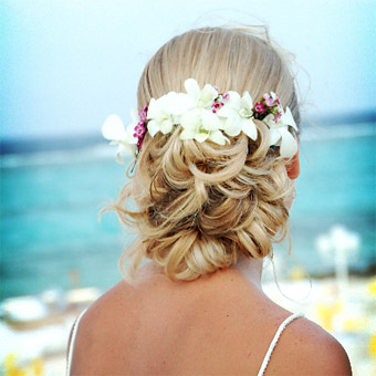 beach4 7 Tips On Choosing Beach Wedding Accessories