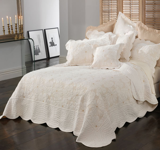 bianca-chardae-lg How to Choose the Perfect Bridal Bedspreads