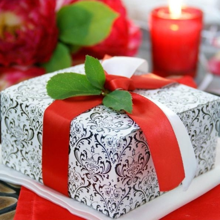 black-white-cake-box 25 Cake Boxes for Different Special Events