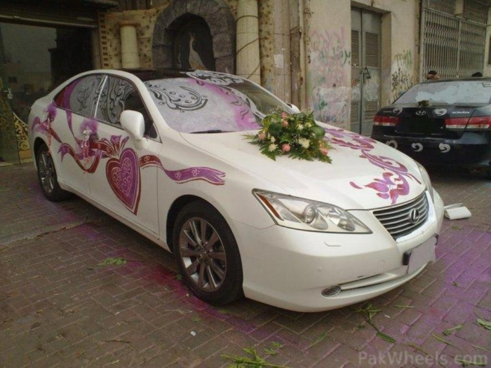 car-decorations-3 How to Choose the Right Wedding Car