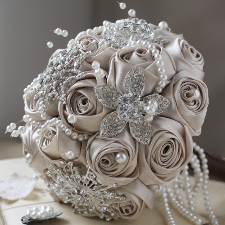 champagne_satin_flower_crystals_brooch_bouquet How to Design Your Brooch Bouquet