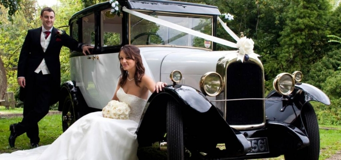 couple-with-alice How to Choose the Right Wedding Car