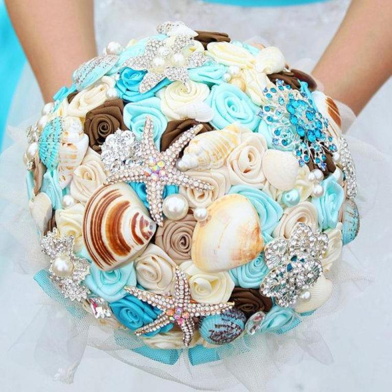 dreamy-ocean-bouquet-shells-crystals-starfish-brooch-bouquet-tiffany-blue-sparkling-jewelry-bridal-bouquet How to Design Your Brooch Bouquet
