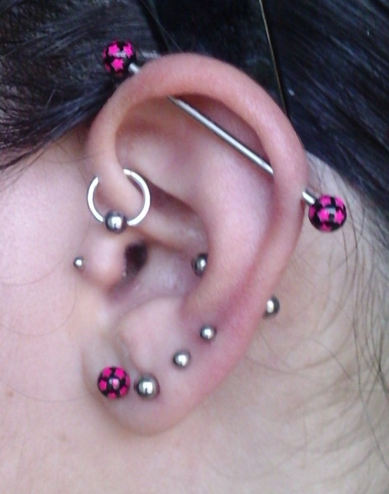 ear-piercing 25 Pieces of Body Jewelry to Enhance Your Body's Beauty