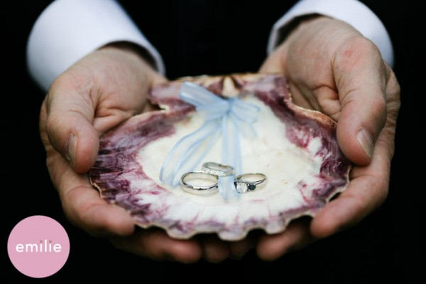 erika_061 7 Tips On Choosing Beach Wedding Accessories