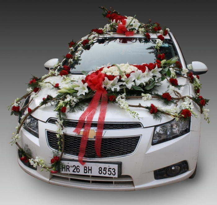 fnp.in-newcardecor3 How to Choose the Right Wedding Car