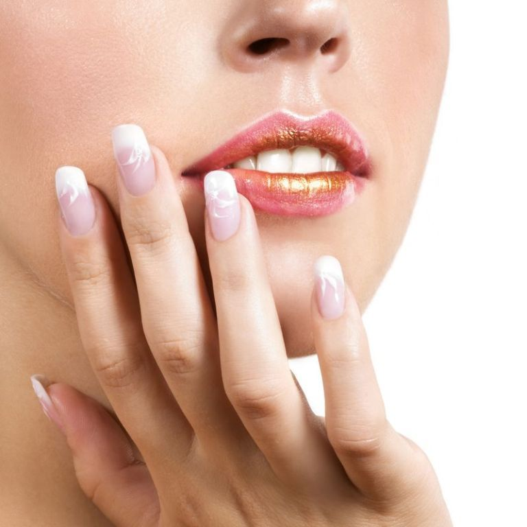 gel-nails-vs-acrylic-nails 10 Reasons You Must Use Gel Nails in 2019