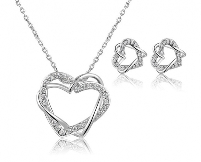 heart_necklace_set_1 Why Do Women Love Heart Jewelry?