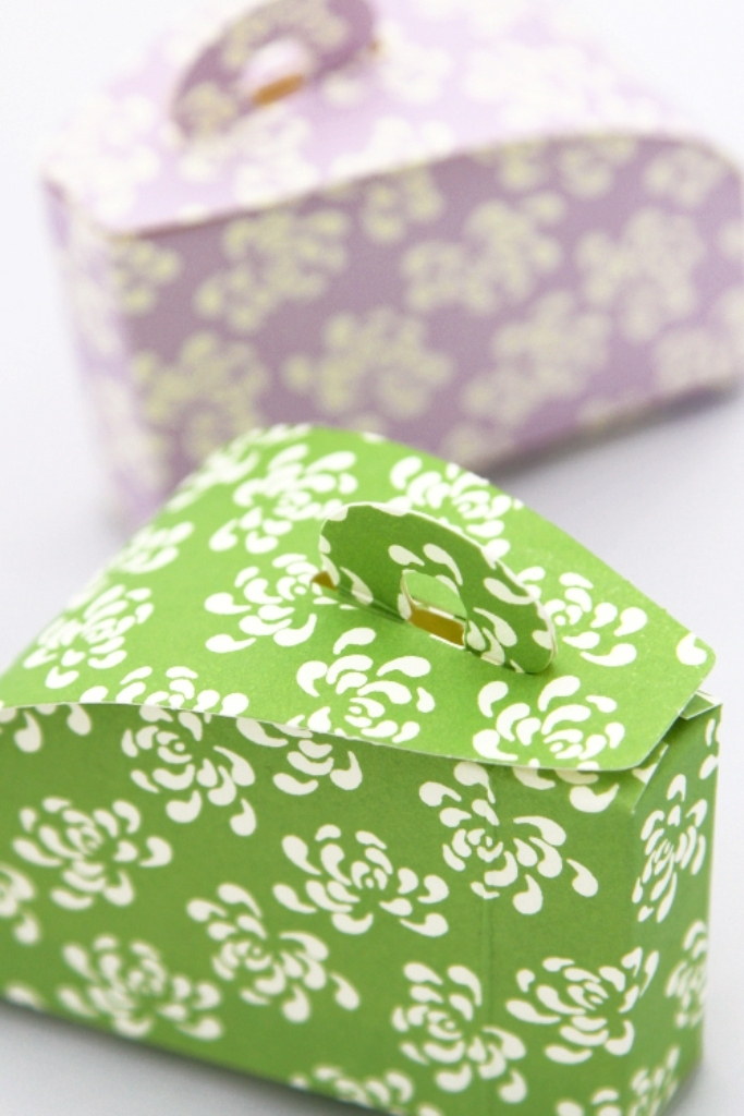 i1606-birthday-cake-box_large 25 Cake Boxes for Different Special Events