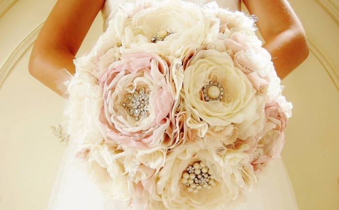 il_fullxfull.493283853_ej6f How to Design Your Brooch Bouquet