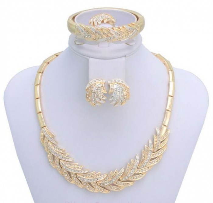 item_XL_6399878_37459251 How to Buy Jewelry for Your Wife