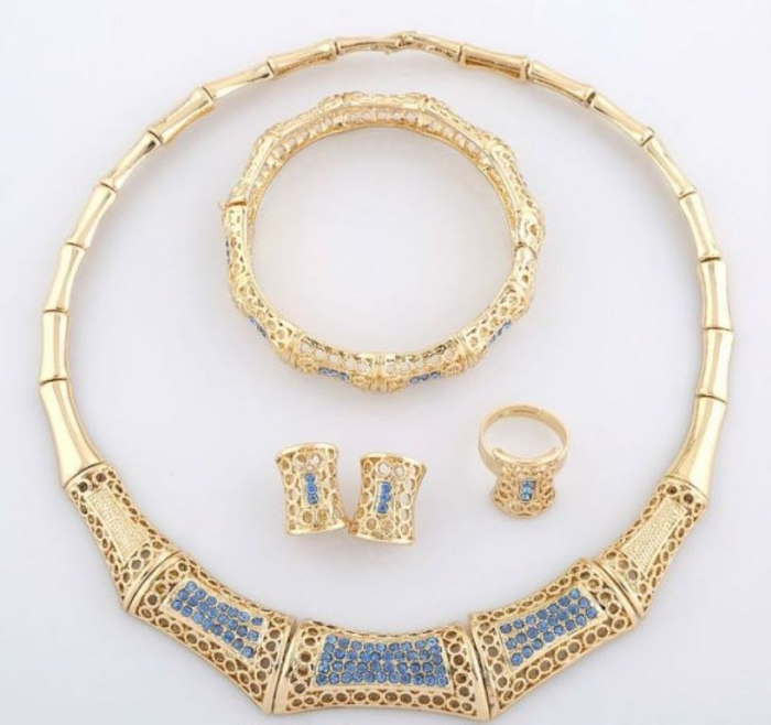item_XL_6399897_37459491 How to Buy Jewelry for Your Wife