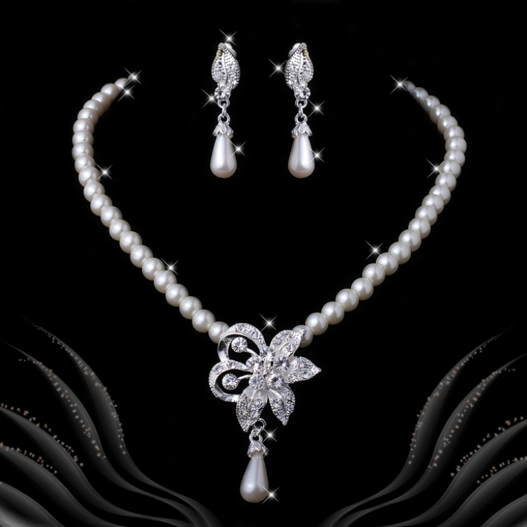 jewelry-sets1201 How to Buy Jewelry for Your Wife