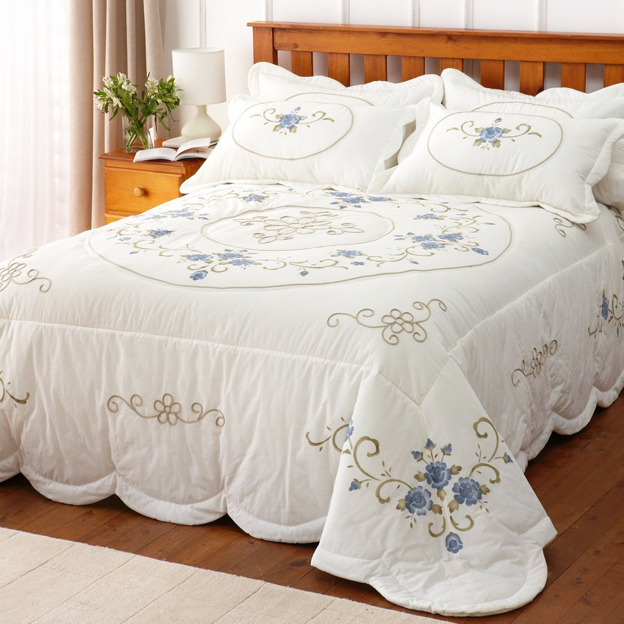 katherine-bedspread-double-tp_2237341310038790941f How to Choose the Perfect Bridal Bedspreads