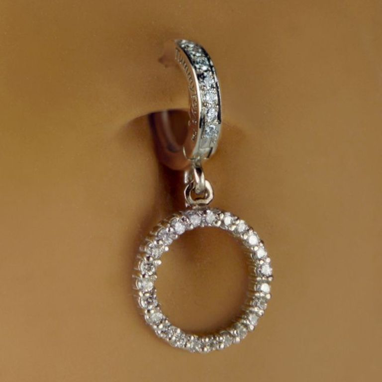 large_platinum-body-jewelry-navel-rings-diamond 25 Pieces of Body Jewelry to Enhance Your Body's Beauty