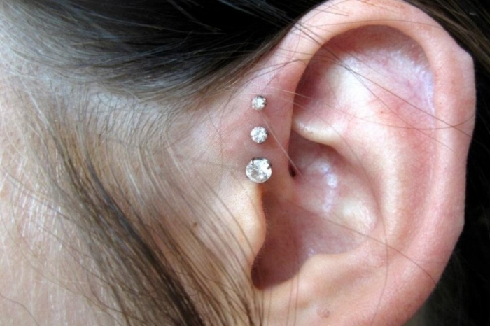 o 25 Pieces of Body Jewelry to Enhance Your Body's Beauty