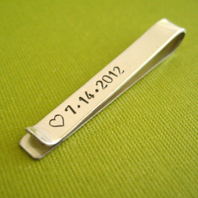 personalized-tie-bar-wedding-date How to Find the Perfect Wedding Gift