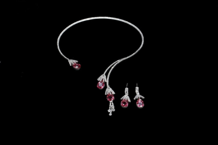 unique_and_simple_design_crystal_bridal_necklace_earring_sets_with_strong_style_color_b82220_european_strong_style_df10020_261 How to Buy Jewelry for Your Wife